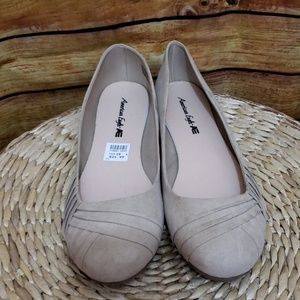 American Eagle brown suede flats new